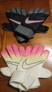 Two Sets Nike Goalkeeper Gloves G50262 Women